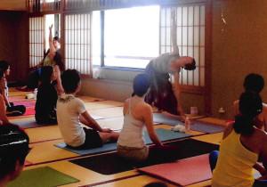 Holistick Y oga Shivaya 鎌倉クラス